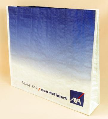 AXA Taschen für Versicherungen