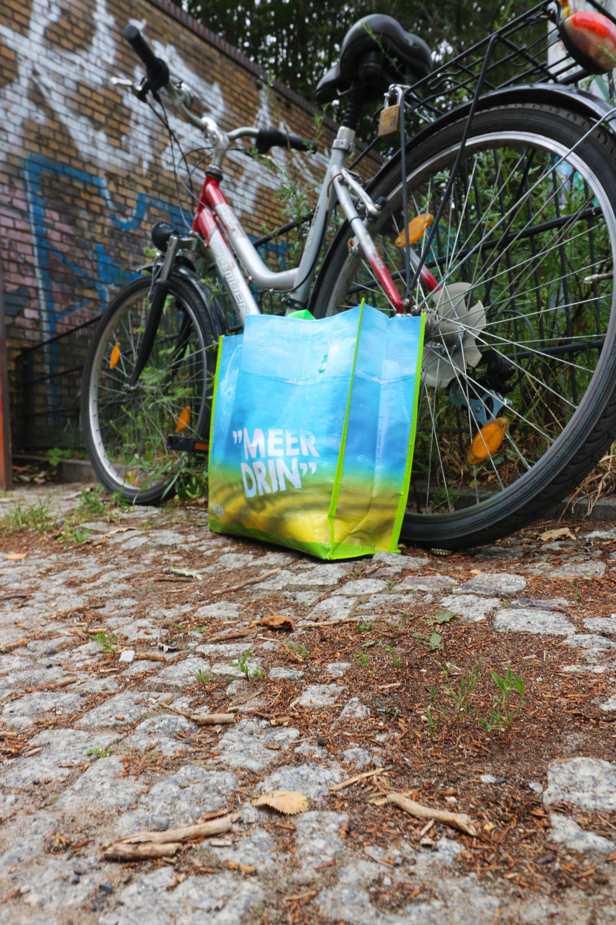 PP Woven Taschen von Bagobag.com PP Woven Tragetaschen. Die Dinger fahren auch gut mit´.