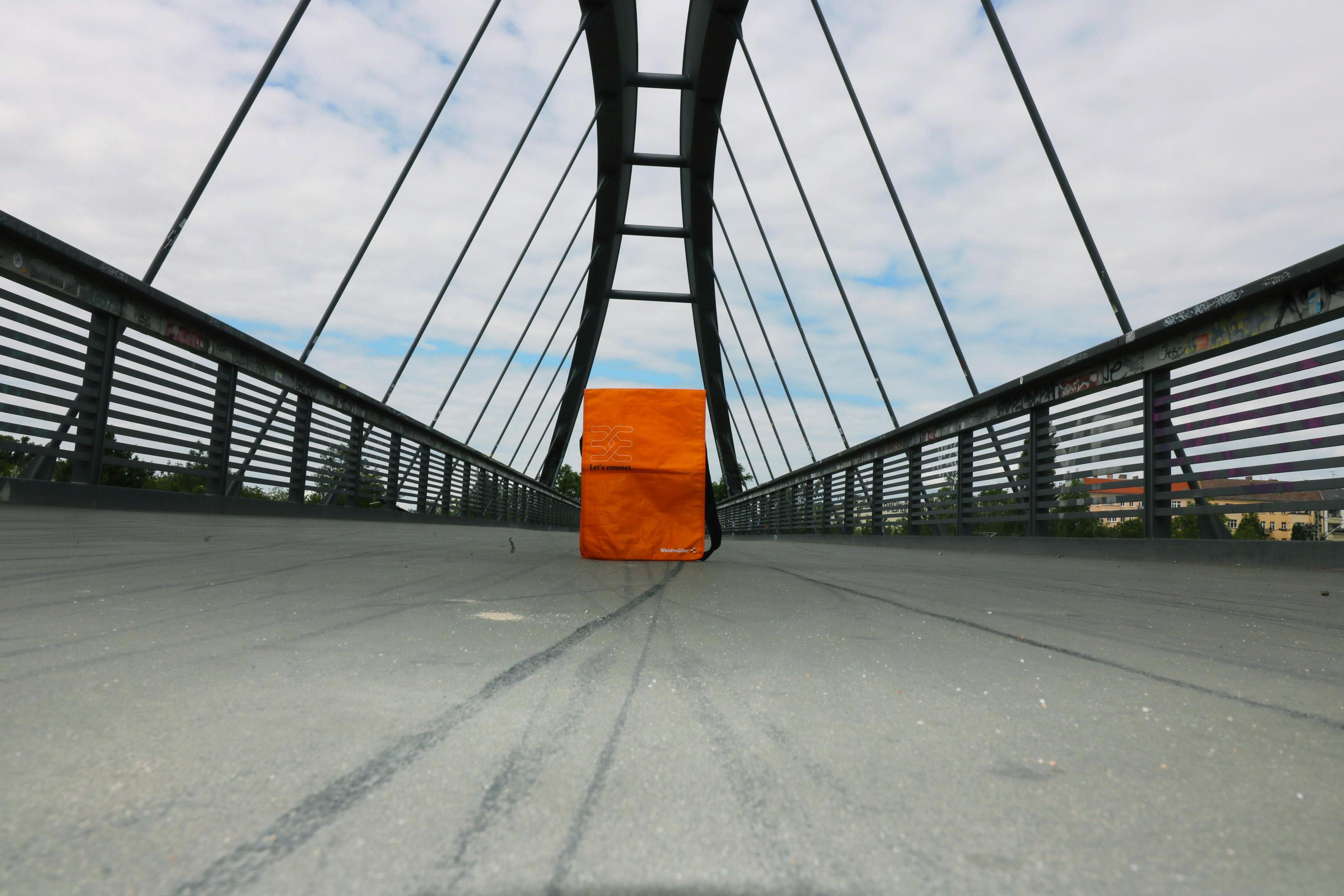 Kuriertasche aus PP Woven, PP Woven Überschlagtasche mit einem verstellbaren Riemen
